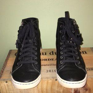 a447018ab78 UGG Blaney Tasseled High Top Sneaker - Sz 6
